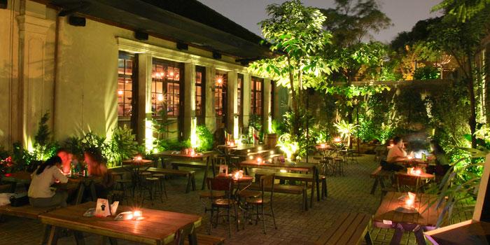 Interior 3 at Camden Bar, Cikini