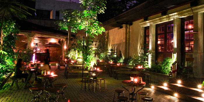 Interior 2 at Camden Bar, Cikini