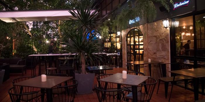 Outdoor Seating from Babylon Steakhouse - Asoke at 1624 New Petchaburi Rd Makkasan, Ratchathewi Bangkok