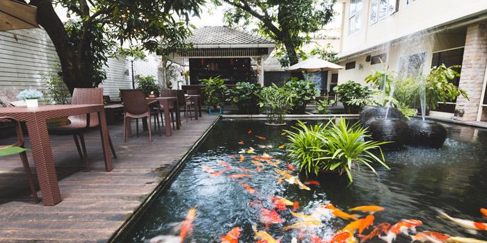 Ambience of Feung Nakorn Kitchen at 29 Soi Fuangthong Wat Rajaborphit, Khet Phra Nakhon Bangkok