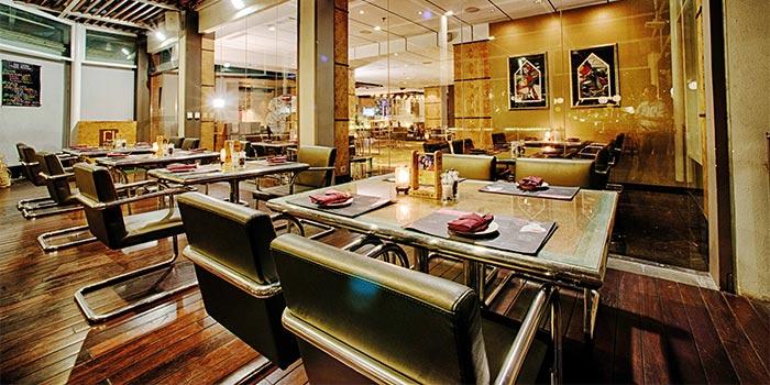 Ambience 2 at Riva Grill Bar & Terrace at The Park Lane Jakarta in Kuningan, Jakarta