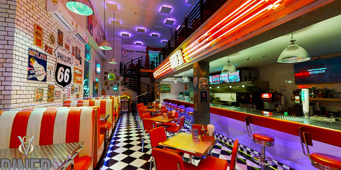 Ambience of V8 Diner at 32/2 Sukhumvit Soi 11 Insanity Building Khlong Toei Nuea, Khlong Toei Bangkok