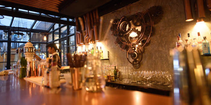 Ambience of Clockwork Bar & Restaurant  at CoCoWalk Thanon Phetchaburi, Ratchathewi Bangkok