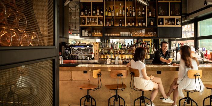 Bar Area, Bread Street Kitchen & Bar, The Peak, Hong Kong