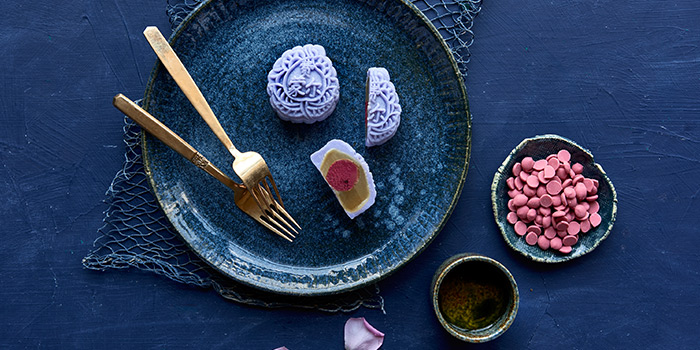 Beetroot and Rose Mooncake (7 Jul to 10 Sep) from Szechuan Court in Fairmont Singapore, Singapore