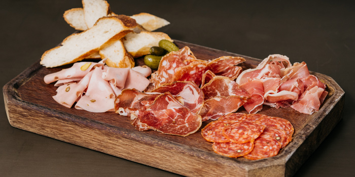 Cured Italian Meat Platter from CarBar at 72 Courtyard, Sukhumvit 55 Thonglor, Bangkok
