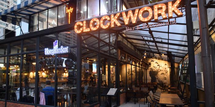 Entrance of Clockwork Bar & Restaurant  at CoCoWalk Thanon Phetchaburi, Ratchathewi Bangkok