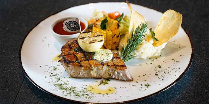 Grilled Tuna Steak at The Cutt Grill House