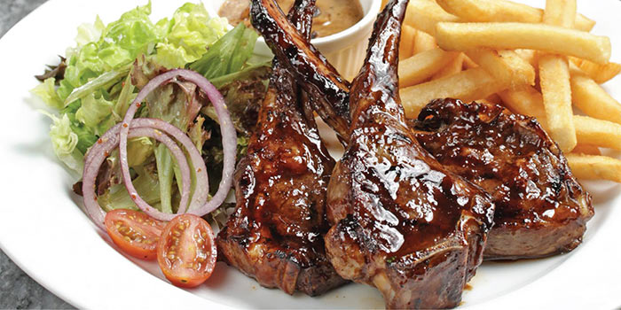 Grilled Lamb Cutlets at Hurricane