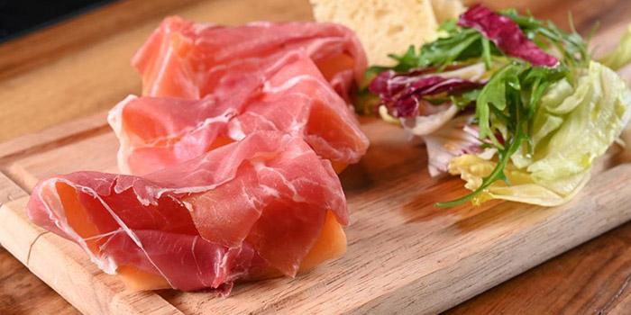 Hams with Salad, The Italian Club Wine Bar, Steak House & Pizza Gourmet, SOHO, Hong Kong