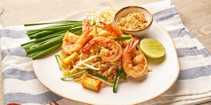 Pad Thai from Feung Nakorn Kitchen at 29 Soi Fuangthong Wat Rajaborphit, Khet Phra Nakhon Bangkok