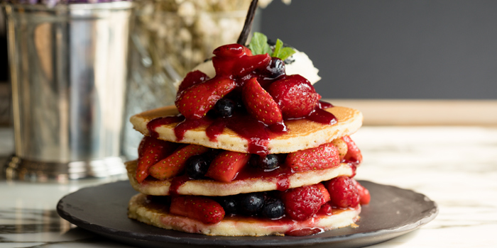 Pancakes, Mixed Berry Compote & Vanilla Cream, Bread Street Kitchen & Bar, The Peak, Hong Kong