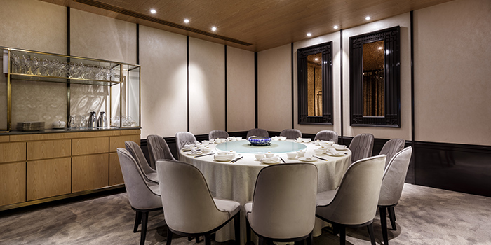 Private Dining Room of Crystal Jade Palace in Orchard, Singapore