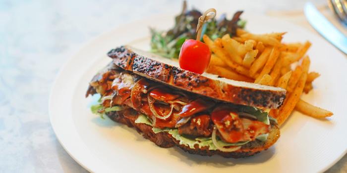 Roasted Angus Beef Kraftkom Sandwich at Anigre Restaurant, Sheraton Gandaria