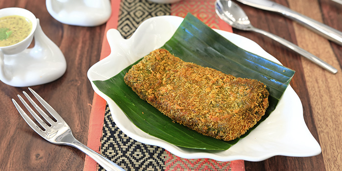 Fish Fry from Kolkata Beckons in Little India, Singapore