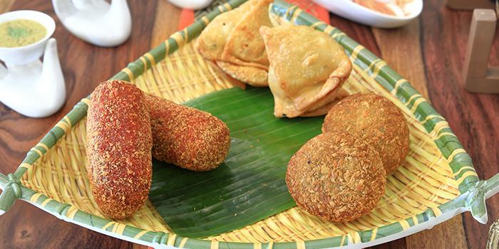 Platter of Bengal Starters from Kolkata Beckons in Little India, Singapore
