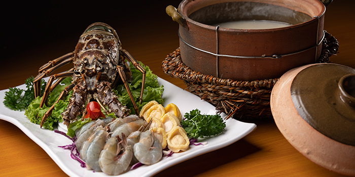Assortment of Fresh Seafood from Le Xiao Chu 樂小厨 (Boon Lay) at Tradehub 21 in Jurong, Singapore