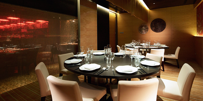 Dining Room of TungLok Heen at Hotel Michael in Sentosa, Singapore