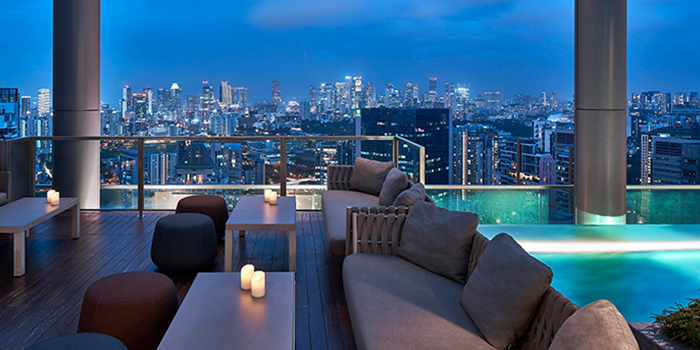 Dining Area of Urbana Rooftop Bar at Courtyard by Marriott Singapore in Novena, Singapore