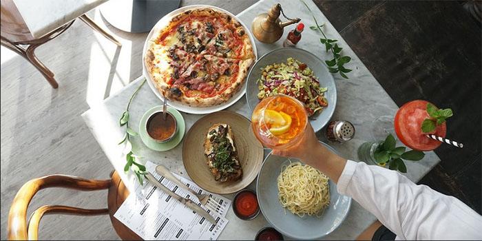 Food from Wild Habit Pizza, Seminyak, Bali