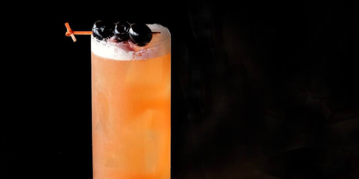 Solera Sling from SKAI Bar at Swissotel the Stamford in City Hall, Singapore