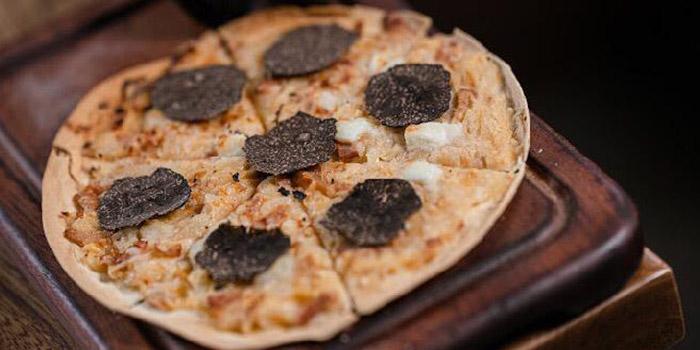 Truffle Pizza, Tipsy Restaurant & Bar, Tai Hang, Hong Kong