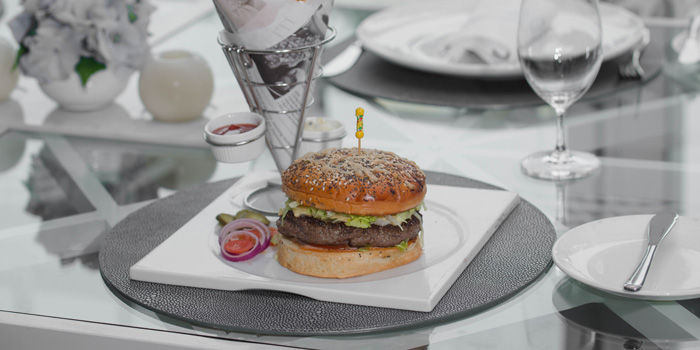 Wagyu Beef Burger with Truffle Fries at bleu8, Hotel Mulia Senayan