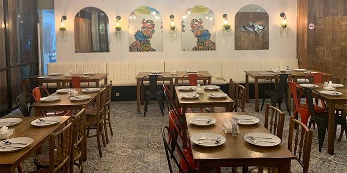 Ambience 4 at Little India Restaurant (Citywalk Sudirman)