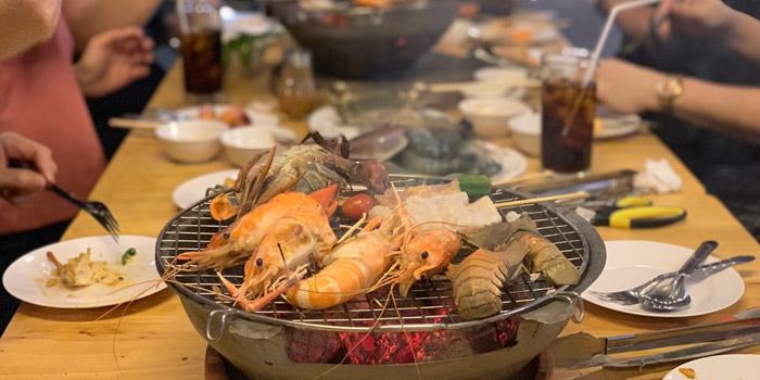 Ambience of Kodtalay Seafood Buffet at 55 Phaya Thai Road Ratchathewi Bangkok