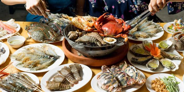 Mixed Seafood Selection from Kodtalay Seafood Buffet at 55 Phaya Thai Road Ratchathewi Bangkok