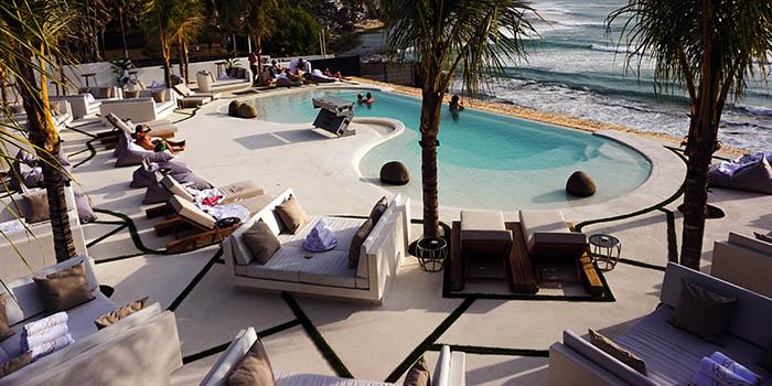 Exterior of El Kabron Spanish Restaurant & Cliff Club in Jimbaran, Bali