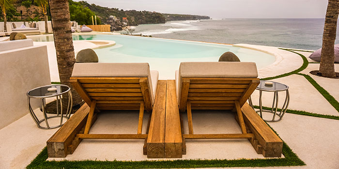 Infinity Pool from El Kabron Spanish Restaurant & Cliff Club in Jimbaran, Bali
