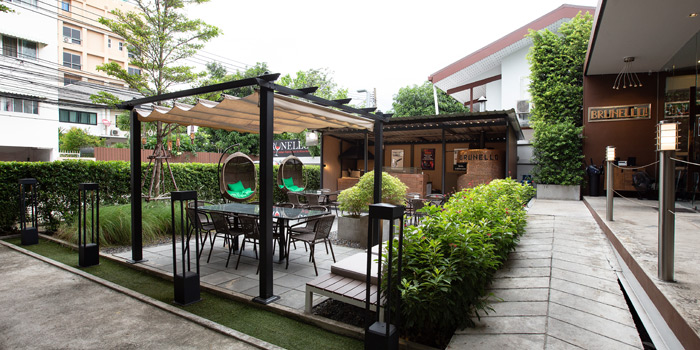 Ambience of Brunello at 15 Soi Rama IX 58 Suanluang Bangkok