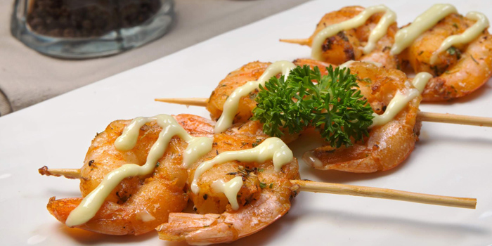 Appetizer Dishes from Nomad Rooftop Lounge and Bar at Galleria 10 hotel Bangkok 21 sukhumvit soi 10 Bangkok