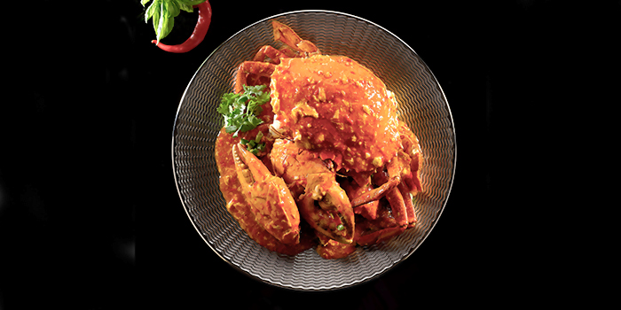 Live Sri Lankan Crab Sauteed with Chilli Sauce from Crystal Jade Pavilion at Crowne Plaza Changi Airport in Changi, Singapore