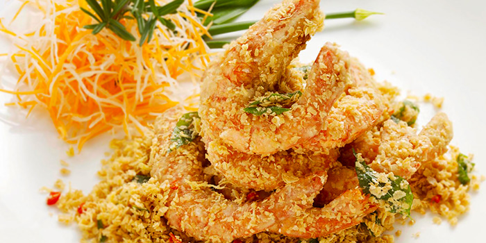 Cereal Whole Prawns from Mouth Restaurant at Air View Building in Tanjong Pagar, Singapore