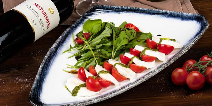 Caprese Salad from Brunello at 15 Soi Rama IX 58 Suanluang Bangkok