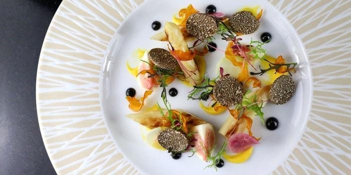 White Asparagus, Fig Summer Truffle at VIEW (Fairmont Hotel)