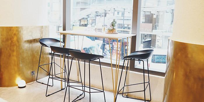 Window Table, INTERVAL Coffee Bar, Central, Hong Kong