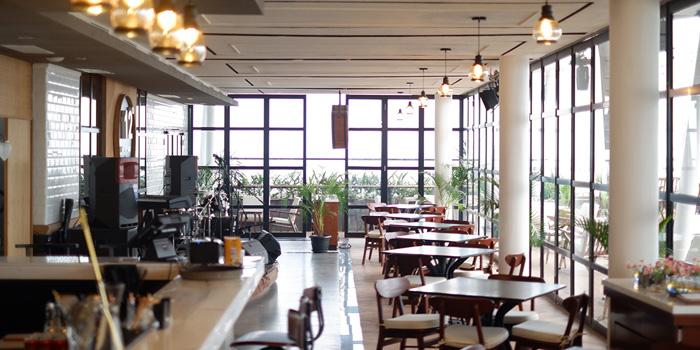 Twelve Degrees Rooftop Bar & Lounge