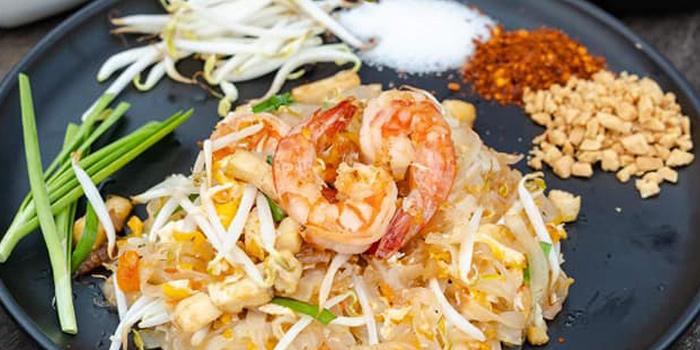 Pad Thai from Long Tian Bkk at 246 Thai Wang Alley Phra Borom Maha Ratchawang, Phra Nakhon,Bangkok