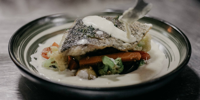 Pan Seared Crusted Salmon at Moonshine Dine & Lounge, Mega Kuningan