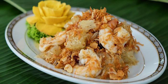 Thai Pomelo Salad from Methavalai Sorndaeng at 78/2 Ratchadumneon Klang Rd, Phra Nakhon Bangkok
