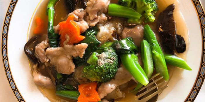 Stir-fried Noodle with Chinese Gravy from Methavalai Sorndaeng at 78/2 Ratchadumneon Klang Rd, Phra Nakhon Bangkok