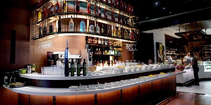 Buffet Bar Area, VELO Italian Bar & Grill, Tsim Sha Tsui, Hong Kong