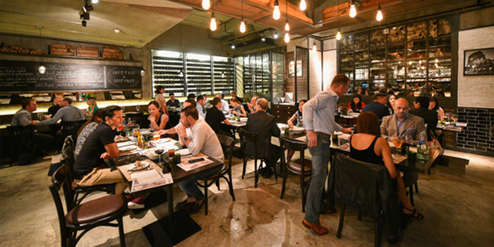 Ambience of Ciao Pizza at Sitthi Vorakij Building 1st floor, Soi Phiphat, Silom Bangkok