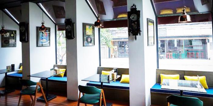 Dining Area of Krua Banleng 33 at 28 Soi Sukhumvit 31 Khlong Tan Nuea, Khet Watthana Bangkok