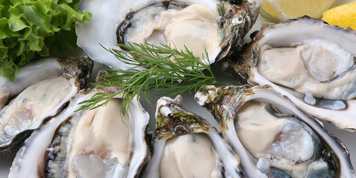 Oysters from HooHa Cafe at Viva Vista Mall in Buona Vista, Singapore
