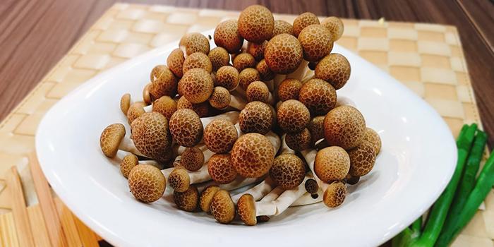 Shimeji Muhsrooms from Imperi Health Pot in Chinatown, Singapore