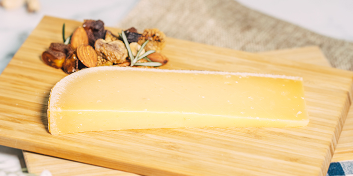 Cheese Platter from TAP (One Raffles Link) at One Raffles Link in Promenade, Singapore
